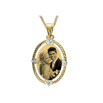 Picture of Oval Shaped Portrait Pendant - Diamond Cut
